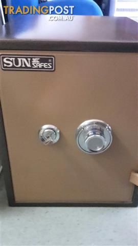 AS NEW sturdy strong safe burglar proof, fireproof, can be bolted to floor RRP$360