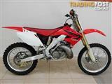 2006 Honda CR250R   Motocross