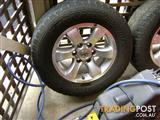 GENUINE TOYOTA PRADO 120 SERIES 17 INCH ALLOY WHEELS RIMS MAGS X 5 WITH NUTS