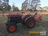 Kubota B6000 Mini Tractor with Rotary Hoe