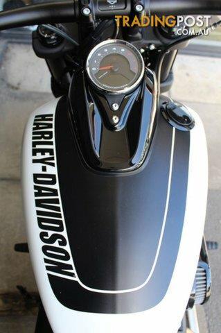 2018-Harley-Davidson-FXFBS-Fat-Bob-1800CC-MY18-Bolivian-Salt