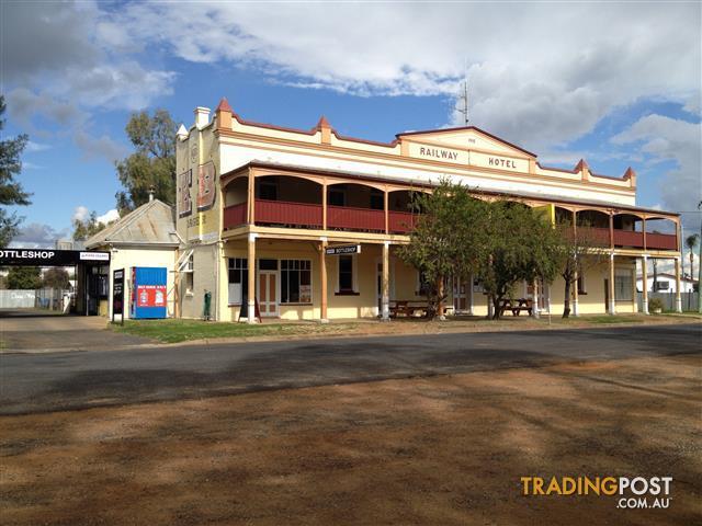 Country Hotel: The Railway Hotel Gilgandra