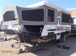 2017 GOLDSTREAM RV THUNDER