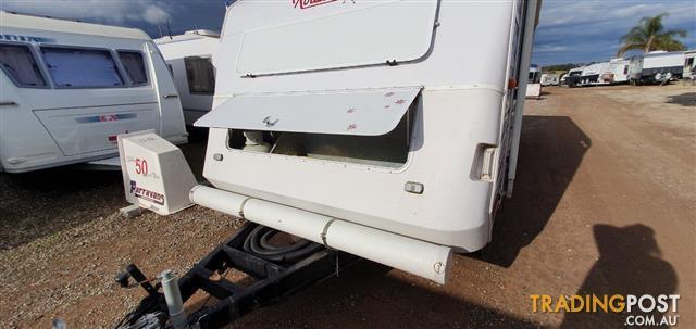 1997 Roadstar Voyager 2000 18'