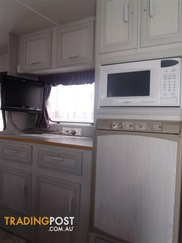 Millard Horizon 2003  Caravan with Shower/Toilet