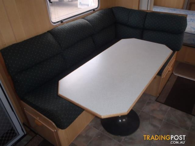 1998 Evernew 21'6 with East / West Bed
