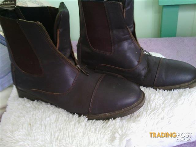 Mens/ladies short Brown Riding Boots, Suit NEW Buyer
