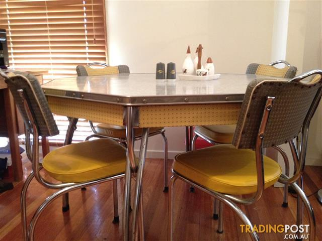 Funky Vintage Formica Kitchen Table and Chairs