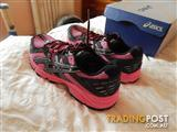 Asics Gel Arctic 4 womens trail running shoes, size 10 US, brand new in box