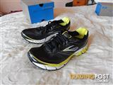 Brooks Aduro 2 Mens shoes, size 10.5 US, brand new in box