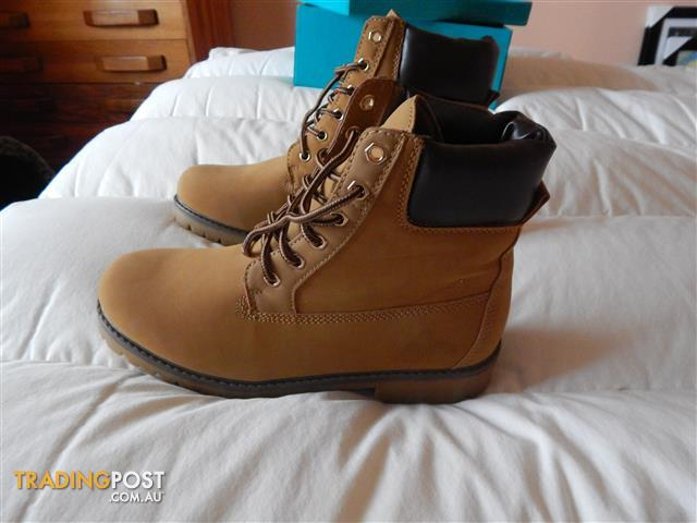 Womens Leather look boots, size 9 US, wheat colour, brand new in box