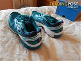 Brooks Aduro 2 women's shoes, size 9 US, brand new in box
