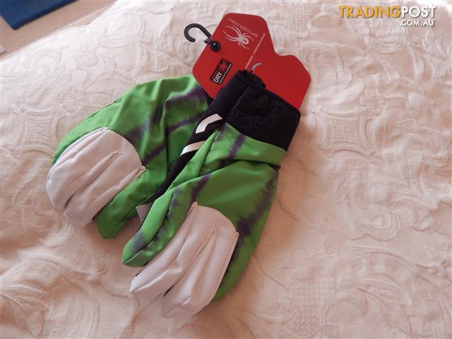 Spyder ski/snowboard gloves, mens size medium, brand new with tags