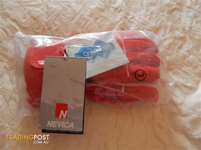 Nevica ski/snowboard gloves, mens size large, brand new with tags
