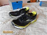 Brooks Aduro 2 Mens shoes, size 10 US, brand new in box