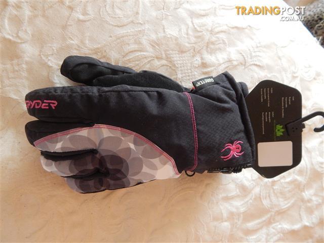 Spyder womens Goretex ski/snowboard gloves, medium size, brand new with tags