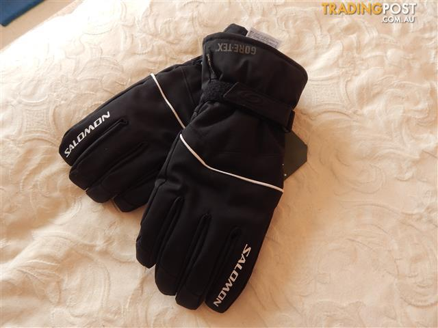 Salomon ski gloves, mens size large, Gore-tex, brand new with tags