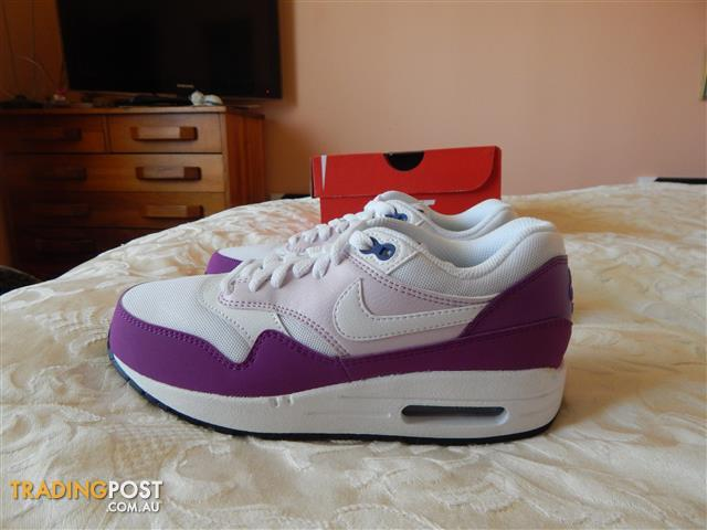 Nike Air Max 1 Essential womens shoes, size 6 US, brand new in box