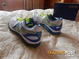 Asics Gel GT-2000 3 shoes, Womens size 7 US, Brand New in Box