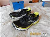 Brooks Aduro 2 Mens shoes, size 11.5 US, brand new in box