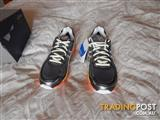 Asics Gel-GT 2000 GT-X Gore-tex shoes, womens size 6.5 US, brand new in box