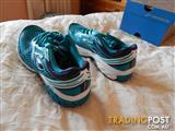 Brooks Aduro 2 women's shoes, size 8.5 US, brand new in box