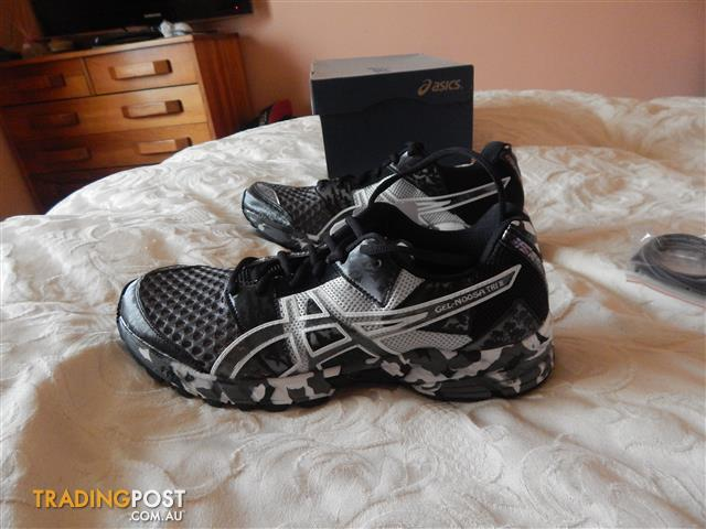 Asics Gel Noosa-Tri 8 mens shoes, size 7.5 US, brand new in box