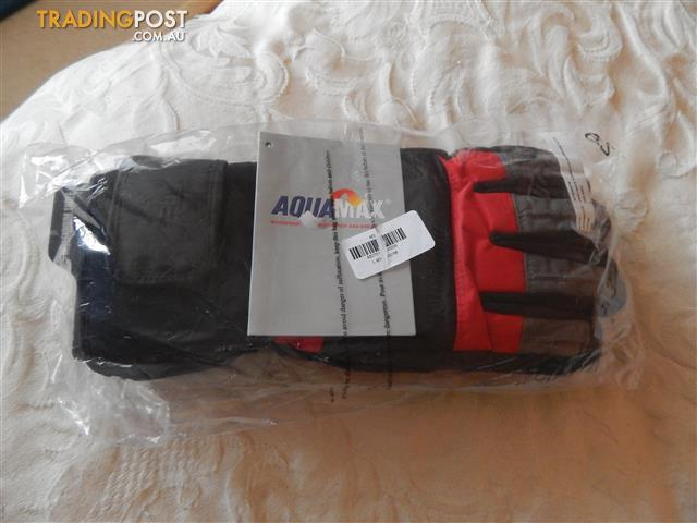 Thinsulate ski/snowboard gloves, mens size extra large, brand new with tags