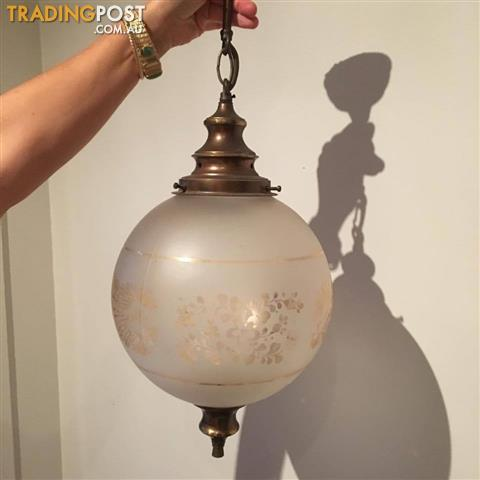 VINTAGE ETCHED EDWARDIAN GLASS GLOBE LIGHT FITTING