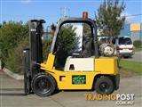 Forklift Budget Priced YALE 2.5t LPG with Container Mast