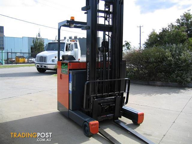 Forklift-Reach-Truck-TOYOTA-6FBRE14-with-6-mtr-lift