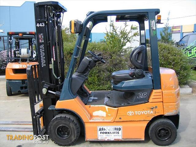 Forklift Toyota 7fb25 Battery Electric