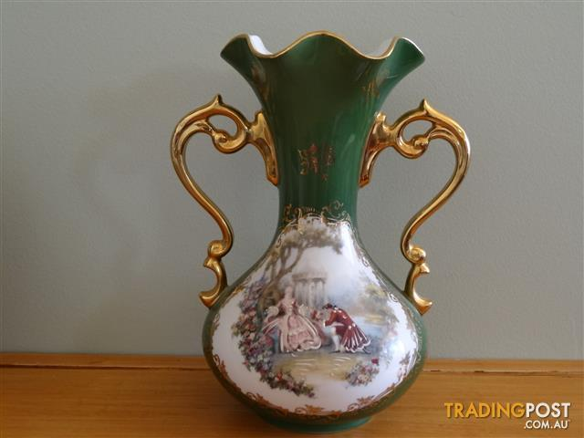 Vintage French Limoges Porcelain Vase 21cm high