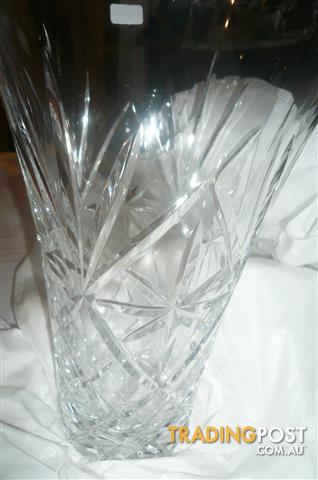Royal Doulton 24 Lead Crystal Newbury 25cm Flare Vase For Sale In