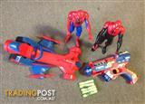"""Spider man 12"""" 2 figures with racing car & soft bullets gun"""