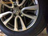Nissan Pathfinder R52 alloy wheels