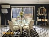 Noble House Design Dining table & Chairs