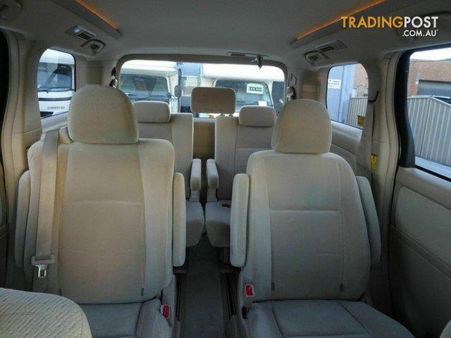 2010 Toyota Alphard Mid Lift Hoist WELCAB Wagon