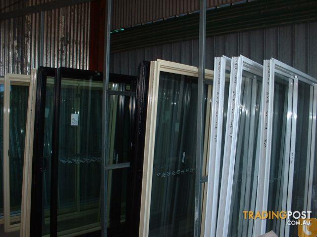 Aluminium glass sliding doors for sale in underwood qld for Sliding glass doors for sale
