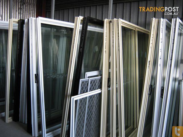 Aluminium glass sliding door for sale in underwood qld for Sliding glass doors for sale