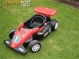 LITTLE TIKES RACING CAR....