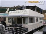 "Houseboat Holiday Home on Lake Eildon Vic ""Armageddon Lazy"""