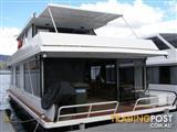 "Houseboat Holiday Home on Lake Eildon Vic ""Adnamira"""