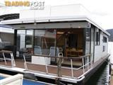 """Houseboat Holiday Home on Lake Eildon Vic """"Brewers Sloop"""""""