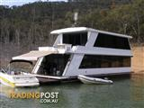"""Houseboat Holiday Home on Lake Eildon Vic """"LLE"""""""