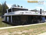 """Houseboat Holiday Home on the Murray River @ DCM """"Stressless"""""""
