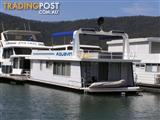 "Houseboat Holiday Home on Lake Eildon Vic ""Aquavin"""