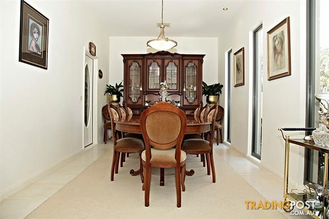 Nick Scali Original Italian Dining Room Suite