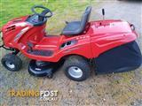 Ride on Lawnmower // Sold Pending Pick Up
