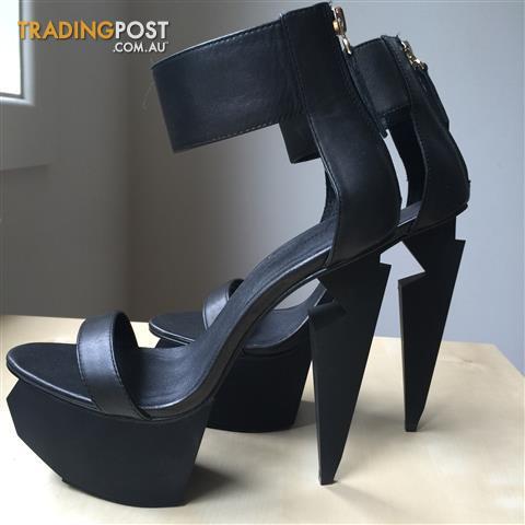 Women's Black Leather Platform Heels Size 8 by Jennifer Chou - NEVER WORN